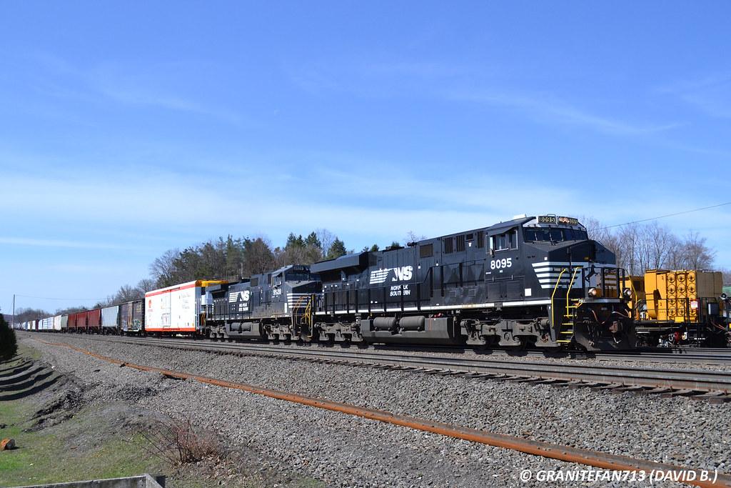 NS 8095 GE ES44AC (16G) | Trucks, Buses, & Trains by