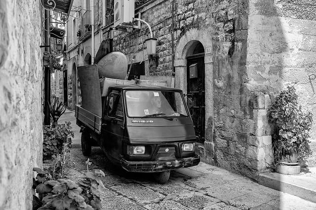 Ape Max in the alley --- Trani - Puglia - Italia