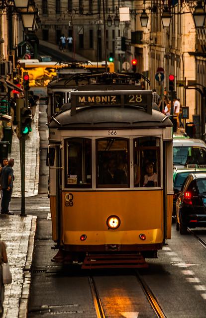 Lisbon: Line 28