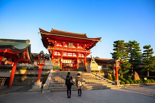 sunset summer sky sunlight japan architecture sunrise temple twilight kyoto worship shrine bright dusk buddhist religion tourist clear believe luck editorial kansai torii sunbeam attraction fushimi kyōtoshi kyōtofu