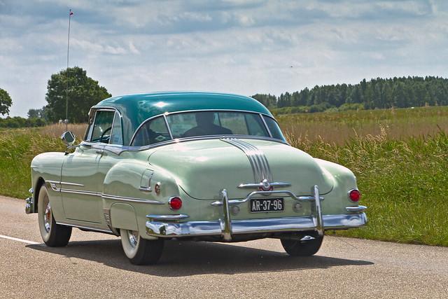 Pontiac Chieftain 2-door Sedan 1952 (4091)