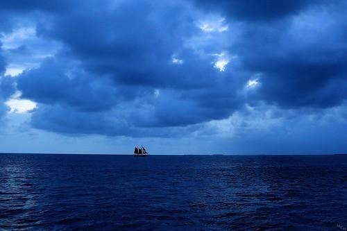 photosbymch landscape seascape sunset bluehour beach storm sailboat silhouette gulfofmexico clouds fortzacharytaylorstatepark keywest florida usa canon 5dmkiii 2015 ou noctilucentclouds nlc