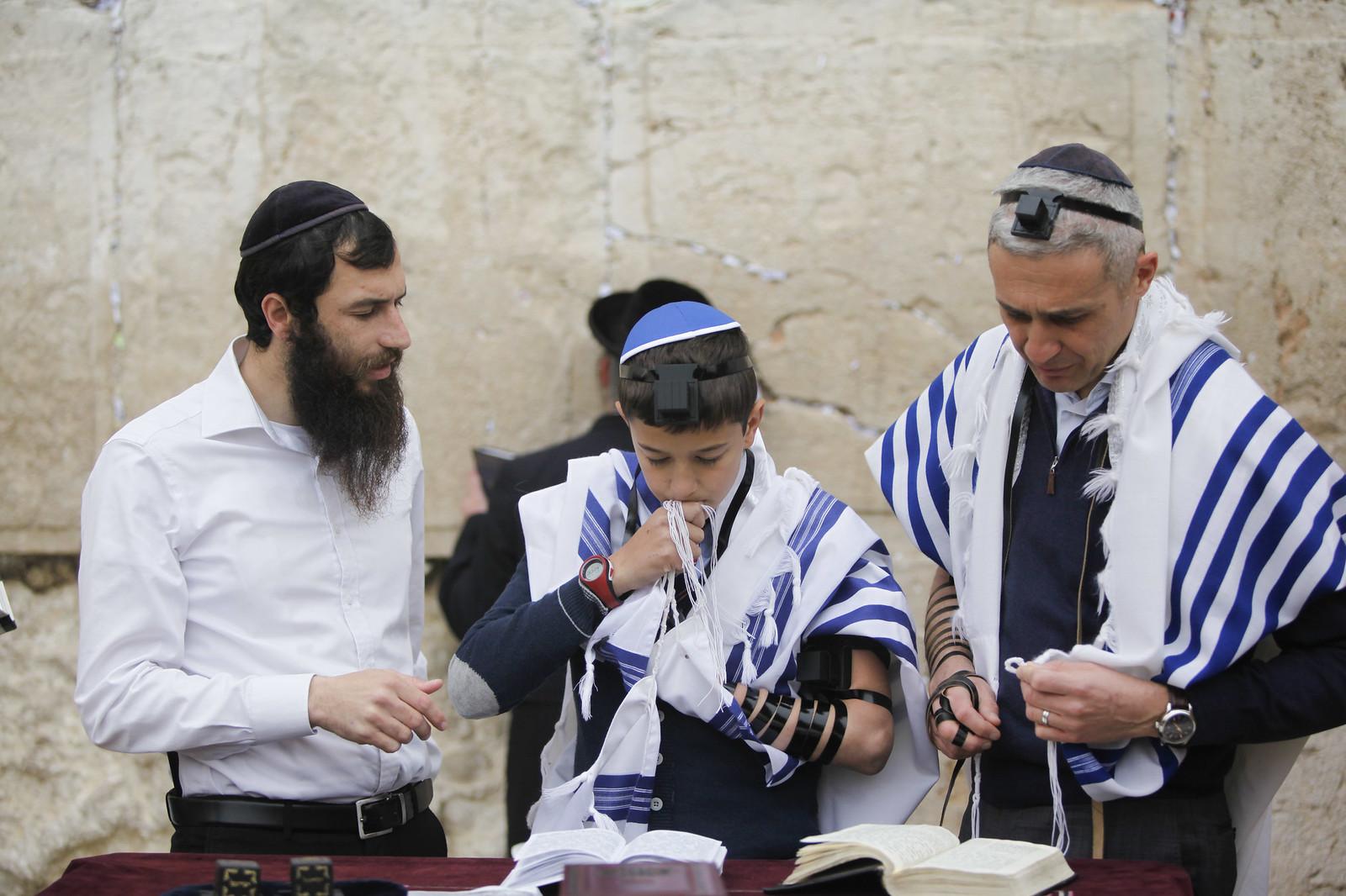 Bar Mitzvah 7_Jerusalem_IMG 9655_Yonatan Sindel_Flash 90_IMOT
