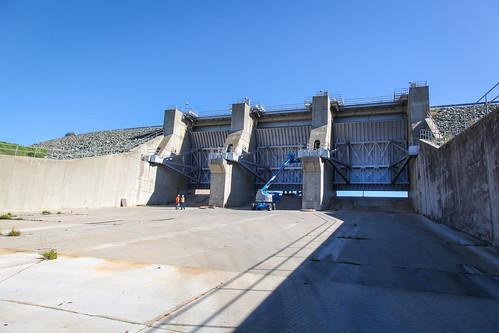 New gates for New Hogan Dam