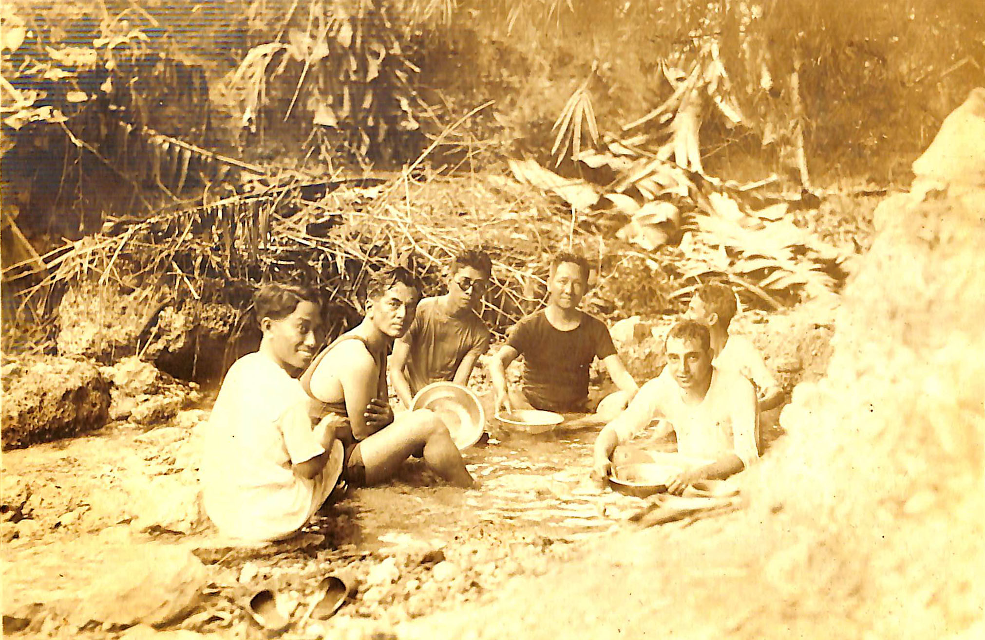 Leaders in a brook: Manuel Quezon, Amado Araneta, Sergio Osmeña and Alfredo M. Montelibano Sr.