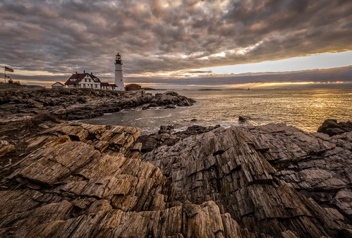 lighthouse building architecture sunrise portland landscape unitedstates maine structure goldenhour portlandheadlight mainecoast capeeiizabeth