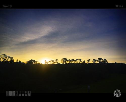 sunset sky clouds su ridgeline silhouettes trees tauranga tomraven aravenimage q32016 nikon1 v2