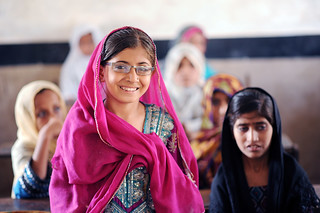 #StrongerTogether In Pakistan, Our Children's Vision has partnered with some great organisations to ensure little girls like this one recieve eye care. @OurChildrensVision #ourchildren #50million | by IAPB/VISION 2020