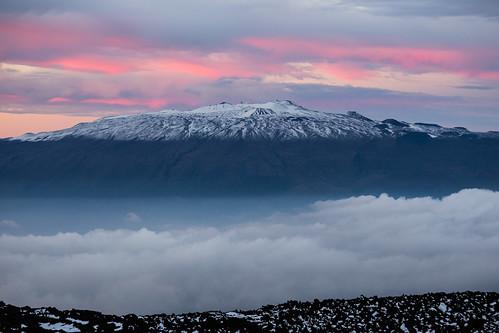 winter sunset snow telephoto astronomy telescopes maunakea maunaloa