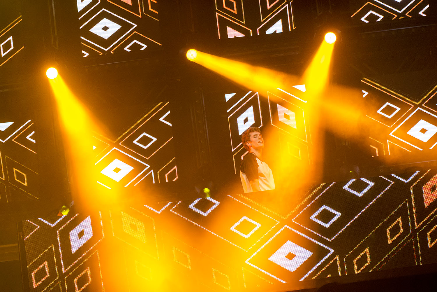 Lost Frequencies 03