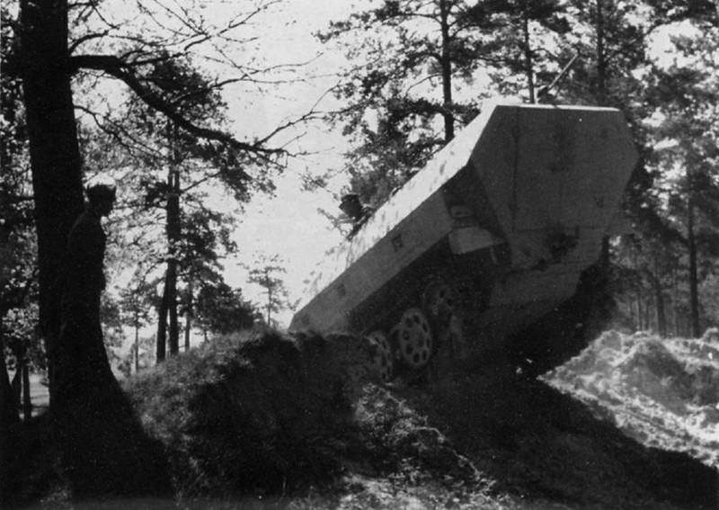 Training on the new Sd.Kfz. 251
