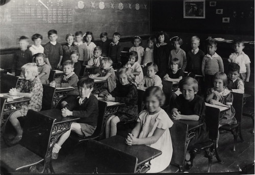 Park Public School, Shuter St. north side, between Sackville Green & Blevins Place; INTERIOR, grade 1 class. | by Toronto Public Library Special Collections