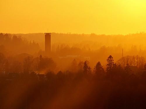 sunset sky nature sunshine silhouette yellow clouds landscape spring warm sony shades latvia shape lettland aluksne latvija saule lettonie debesis mākoņi saulriets alūksne hx400v