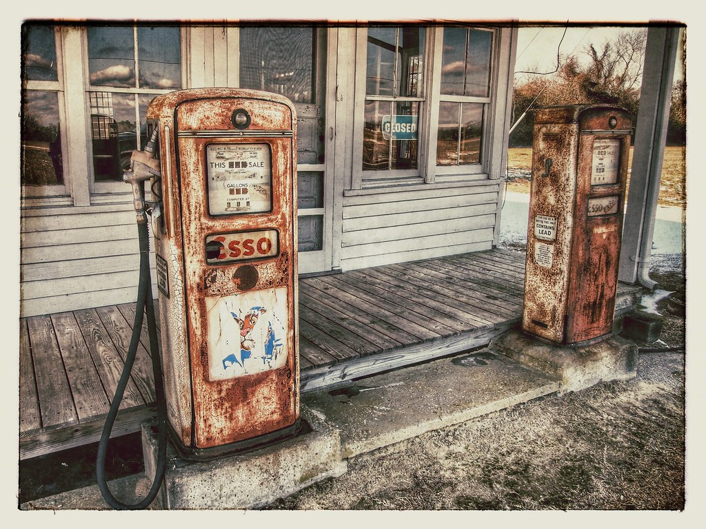 Old time gas station in eastern North Carolina   Dan Pagan