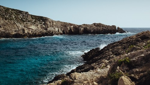 beach and rocks | by Capechiroacu
