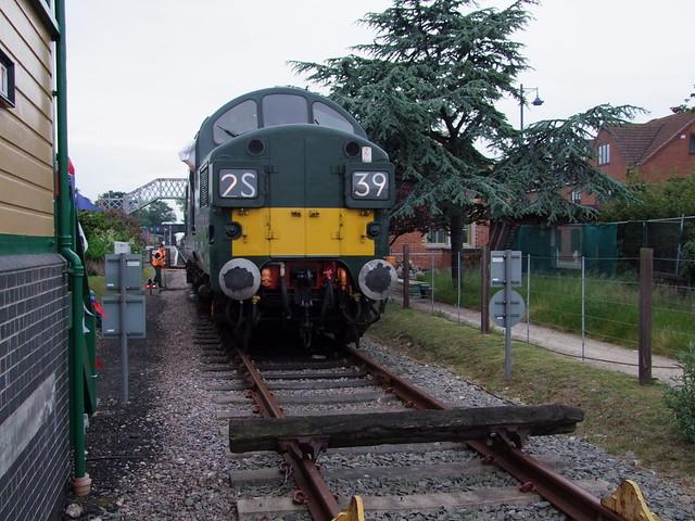 Class 37 D6732 at the NNR boundary