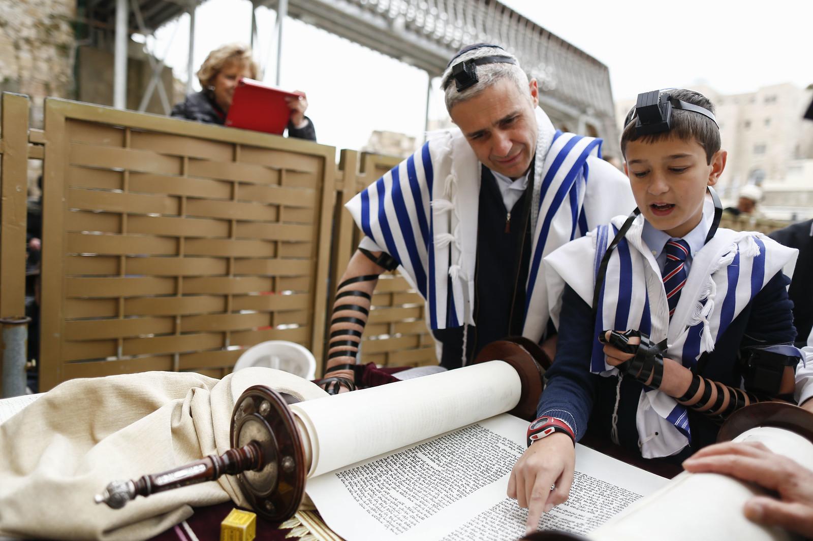 Bar Mitzvah 23_Jerusalem_Y9A9810_Yonatan Sindel_Flash 90_IMOT