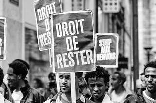 Manifestation pour le droit des migrant-e-s | by DeGust