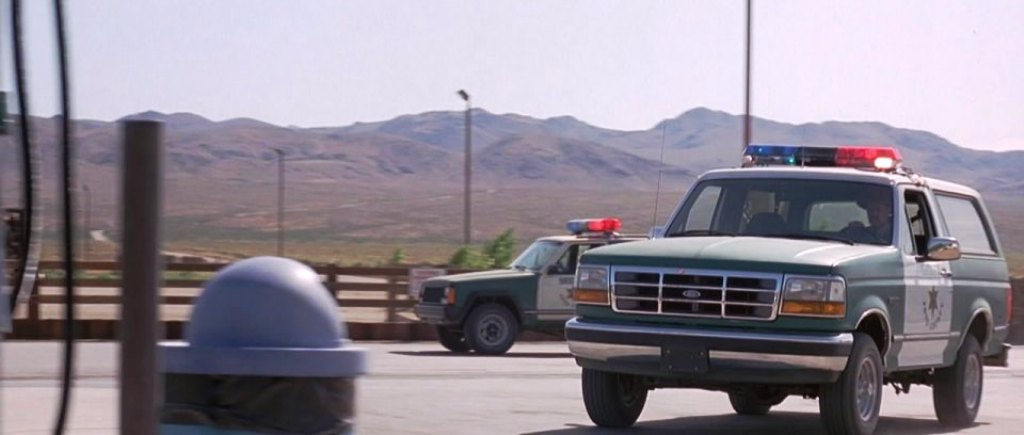 1992 Ford Bronco Police Car - Josua Tree