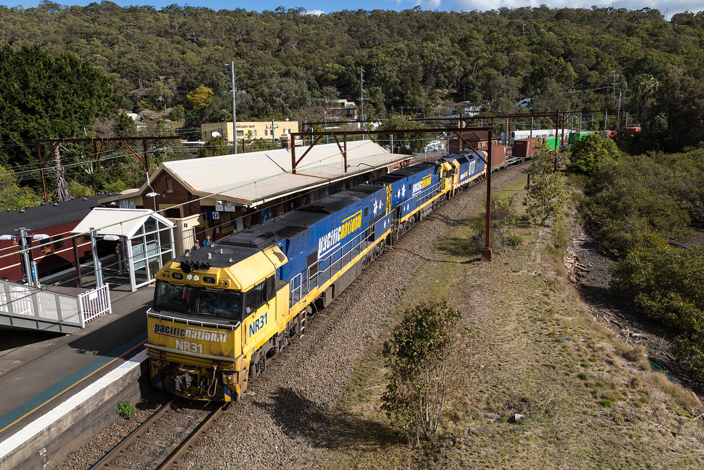 2016-08-20 Pacific National NR31-NR91-8117 Hawkesbury River 7SB1 by Dean Jones