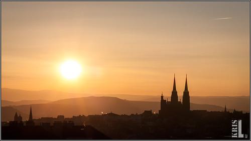 color sunrise soleil auvergne clermont cathedrale puydedôme clermontferrand 450d clermontfd