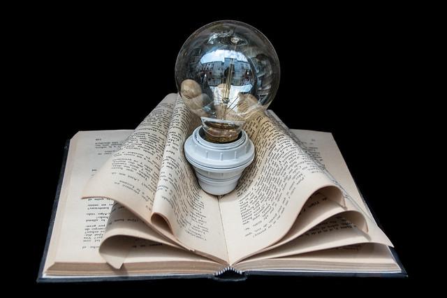 Reading enlightens