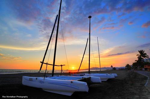 sunset sunrise mexico boat nuevovallarta catamaran hdr grandmayan rexmontalbanphotography vidanta