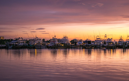 sandestin harbor boats sunset
