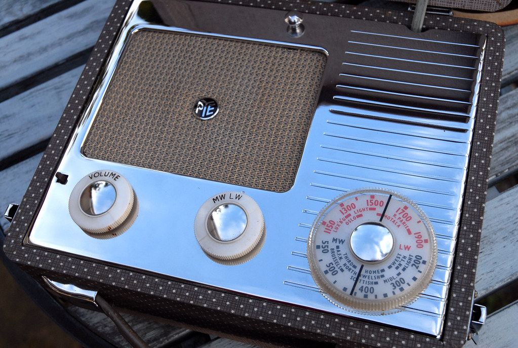 Pye portable attaché case valve radio | Introduced 1955, mod… | Flickr