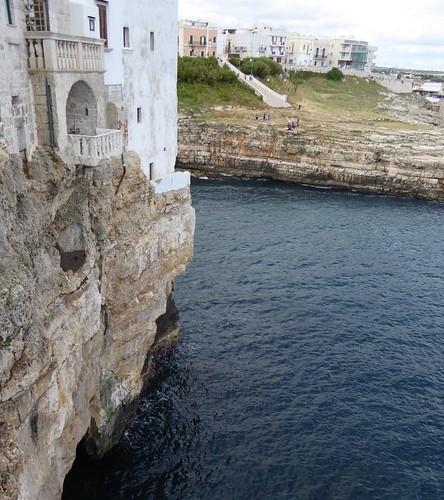 Gevaarlijk hangend balkon (2)