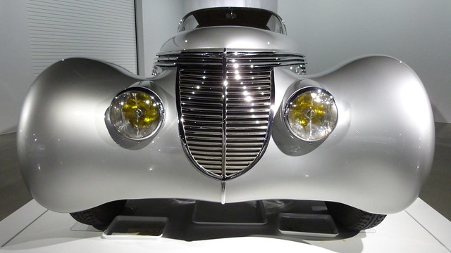A13208 / 1938 Hispano-Suiza, Dubonnet Xenia (body designed by Jacques Saoutchik)
