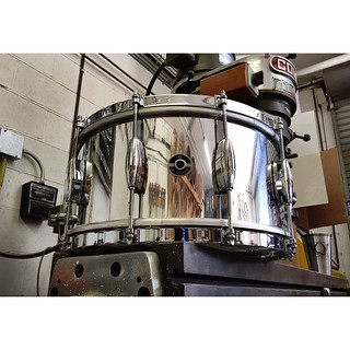 Polished Aluminum Plate 7X14 with COB single flange hoops. Aluminum has become a force to be reckoned with here at the shop. Amazing sounding material for snare drums! #qdrumco #aluminum #snare #drum | by QDrumCo