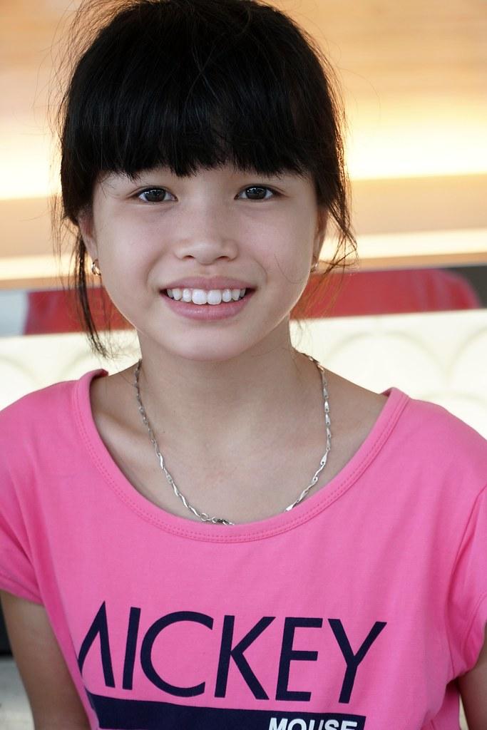 young-naked-vietnam-girls-up-close-mom-fuk-pic