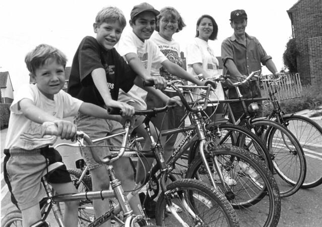 Alex, Nathan, Kristian, Mum, Debbie and Dad on bikes