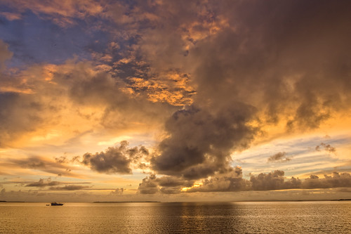 sea sky water weather clouds sunrise boats wynnum sunsetsandsunrisesgold cloudsstormssunsetssunrises