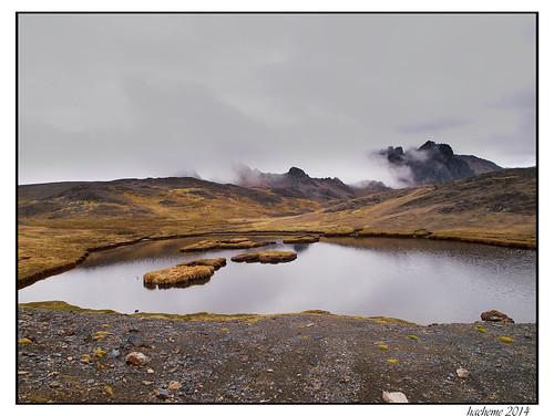 voyage montagne eau lac ciel nuage paysage randonnee
