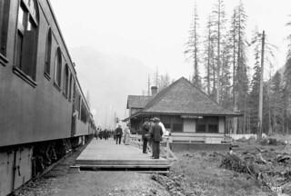 Train at Prince Rupert Station / Un train à la station de Prince Rupert