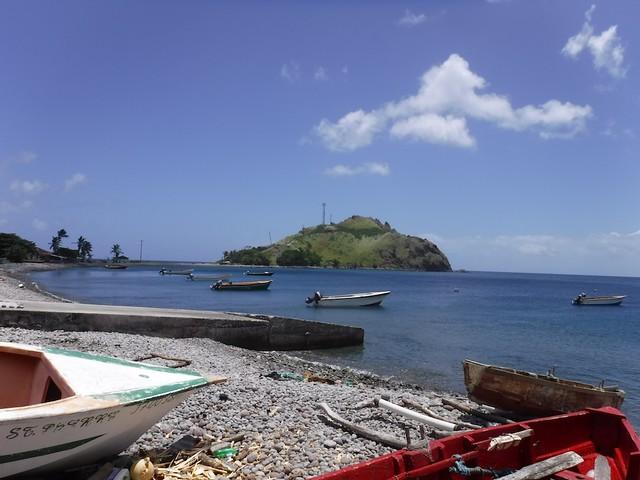 水, 2016-07-13 12:38 - 村の浜から見た島
