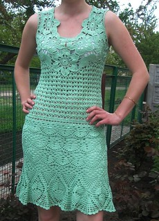 that delicate and charming dress in crochet I loved this model