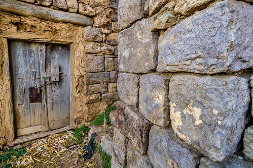 Yemeni doorway in al-Hajjarah village, Haraz mountains of Yemen | by Phil Marion (173 million views - THANKS)