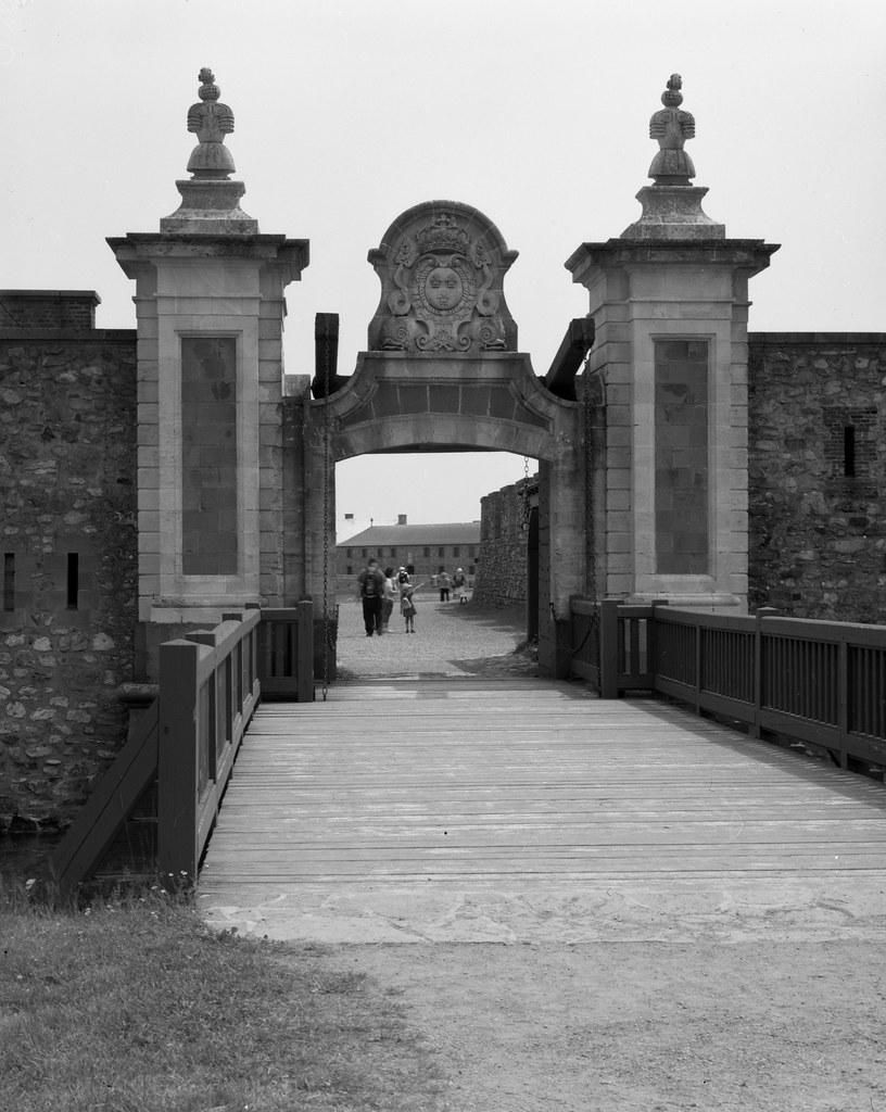 Dauphine Gate