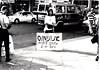הפגנה מול חנות פרוות 1994
