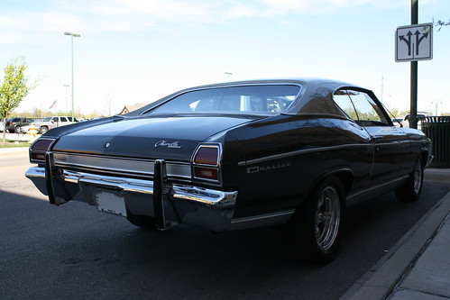ohio chevrolet hardtop 1969 turn mall shopping easter town spring gm view suburban outdoor weekend rear indoor center right chevelle malibu chevy bumper chrome lane april beavercreek suburb guards left coupe dayton 2012 abody generalmotors intermediate 2door i675 threequarter thegreene worldcars