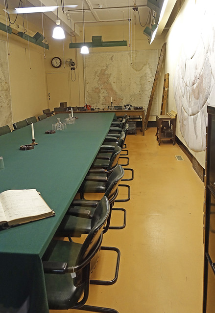 D18057.  Chiefs of Staff's Meeting Room.