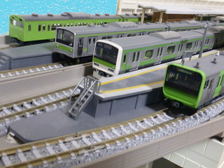 yamanote-line-trains-2 | by railsquid