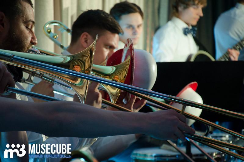 Большой джазовый оркестр-038