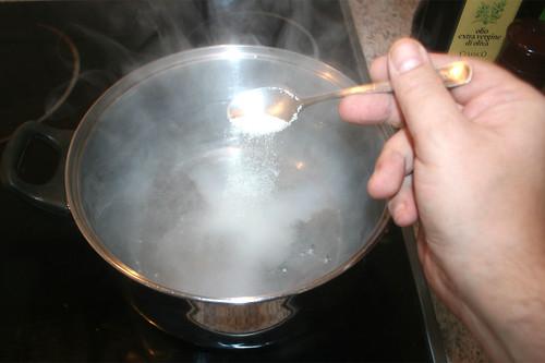 11 - Wasser salzen / Salt water