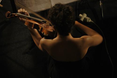 Laia Pujulassos, violinist