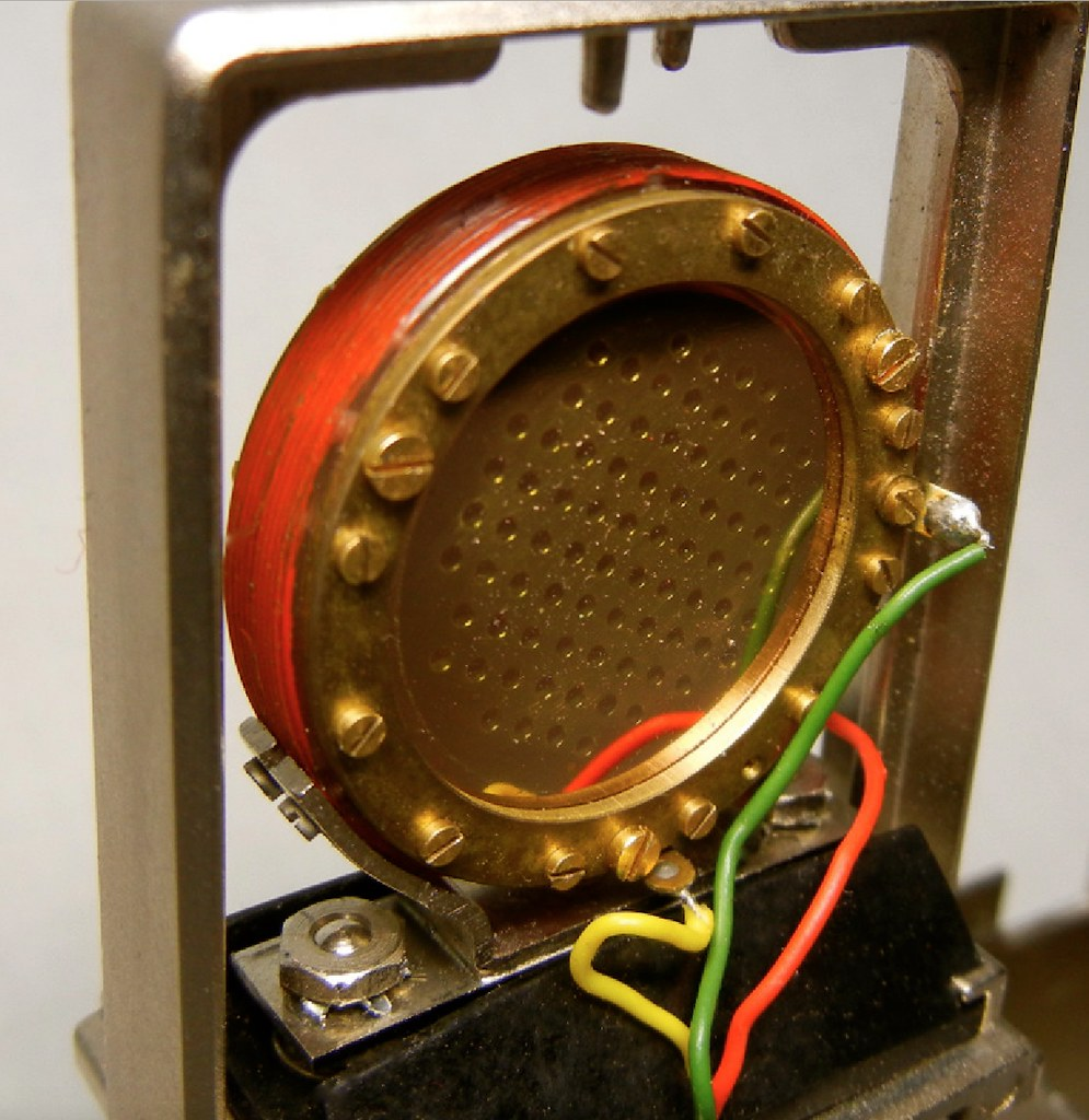 Close-Up view of the CK12 capsule from an AKG C414 EB Micr