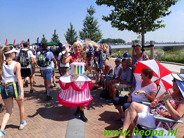2016-07-19   1e dag Nijmegen    40 Km (134)